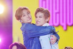 another angle of mark and taeyong being cute together Mark Lee, Fangirl, Dream Concert, Rap Lines, Rap God, Nct Taeyong, Kpop, Funny People, K Idols