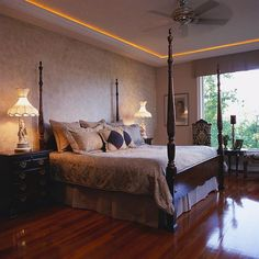 Gorgeous 70+ Great Master Bedrooms with Hardwood Floors https://homegardenmagz.com/70-great-master-bedrooms-with-hardwood-floors/