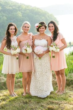 Flowers in Hair - Blush - Nude - Neutral Bridesmaids Dresses - Outdoor Vintage Wedding - Floral Halo for Bride - Hair Flowers for Bride - Bridal Hairpiece - Coral - Peach - Elegance - Knoxville TN Florist - Lisa Foster Floral Design - www.lisafosterdesign.com