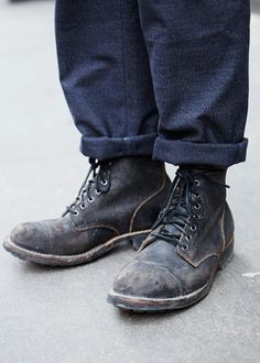 Boots of glory! Men's Fashion, shoes, boots, and footwear. Black Leather Shoes, Leather Belts, Calf Leather, Black Shoes, Mode Shoes, Men's Shoes, Shoe Boots, Workwear Fashion, Mens Fashion