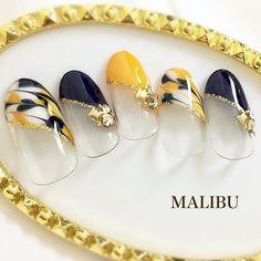 9月&10月キャンペーンデザイン♪♪#ピーコックネイル#斜めフレンチネイル#フレンチネイル#秋ネイル#autumnnails#大人ネイル #nail #nails #nailart...|ネイルデザインを探すならネイル数No.1のネイルブック