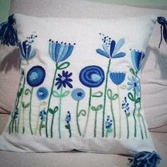 Best Sewing Tips - Sewing Tips for All Sewing Lovers Embroidery Flowers Pattern, Crewel Embroidery, Hand Embroidery Designs, Ribbon Embroidery, Cross Stitch Embroidery, Crazy Quilting, Mexican Embroidery, Sewing Projects, Sewing Tips
