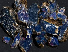 Rough Blue Sumatra Amber #blueamber #starborn #amber Minerals And Gemstones, Rocks And Minerals, Natural Gemstones, Native American Indians, Native American Jewelry, Gemstone Properties, Blue Amber, Cowgirl Bling, Love Rocks