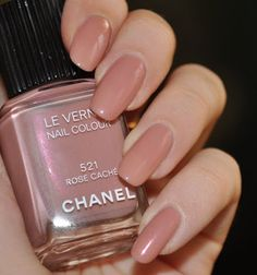 Installation of acrylic or gel nails - My Nails Chanel Nail Polish, Chanel Nails, Trendy Nails, Cute Nails, My Nails, Perfect Nails, Gorgeous Nails, Violet Pastel, Colorful Nail Designs