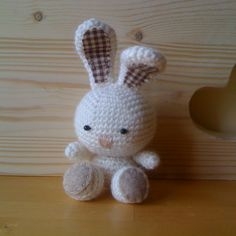 Amigurumi coniglietto mio Spiegazioni Love Crochet, Diy Crochet, Crochet Toys, Crochet Baby, Amigurumi Tutorial, Amigurumi Patterns, Crochet Patterns, Sunburst Granny Square, Dou Dou