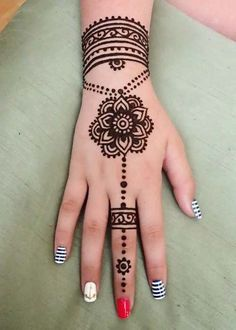94 Easy Mehndi Designs For Your Gorgeous Henna Look Hena Designs, Mehndi Designs For Girls, Bridal Henna Designs, Mehndi Designs For Fingers, Henna Designs Easy, Beautiful Henna Designs, Designs Mehndi, Henna Tattoo Hand, Henna Tattoos