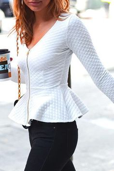 Quilted white peplum top, long sleeve, v neck, zipped front Casual Outfits, Cute Outfits, Peplum Top Outfits, Looks Style, My Style, White Peplum Tops, Work Attire, Look Fashion, Passion For Fashion