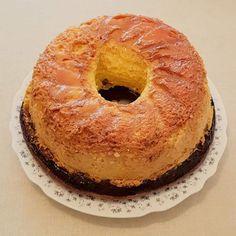 Tort de mere cu cremă de zahăr ars | Bucătărind cu Pasiune Bagel, Doughnuts, Bread, Desserts, Tailgate Desserts, Deserts, Breads, Dessert, Buns
