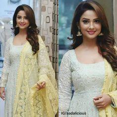 Her smile 😘😍 Net Dresses Pakistani, Ada Khan, Kurti Neck Designs, Bollywood Girls, Girls Dpz, Indian Celebrities, India Beauty, Stylish Girl, Beautiful Actresses