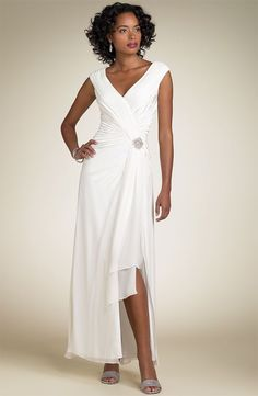 Style; In Apprehensive High Low Reception Wedding Dresses Modern White Hi Lo Bride Dresses Short Front Long Back Second Wedding Gowns Custom Made 2019 Fashionable