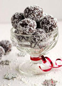 #HealthyRecipe / Skinny Avocado Almond Joy Truffles - Food Faith Fitness