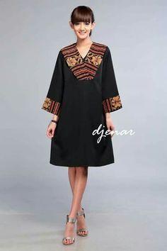 Thi is beautiful Batik Fashion, Ethnic Fashion, African Fashion, Batik Kebaya, Batik Dress, Blouse Batik Modern, Dress Batik Kombinasi, Batik Blazer, Amarillis