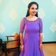 Party Wear Long Gowns, Party Wear Indian Dresses, Indian Gowns Dresses, Long Skirt Top Designs, Long Dress Design, Designer Anarkali Dresses, Designer Dresses, Simple Kurti Designs, Simple Gowns