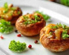 Champignons Croq'Kilos farcis à la viande en solo : http://www.fourchette-et-bikini.fr/recettes/recettes-minceur/champignons-croqkilos-farcis-la-viande-en-solo.html
