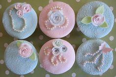 Vintage looking cupcakes