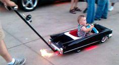 ファイバーグラス : マフラーが火を噴く! 超クールなキャデラックのベビーカー!! | Sumally