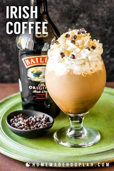 IRISH COFFEE This fancy Irish coffee features all the best qualities of the traditional (such as dark brew coffee, Irish whiskey, and brown sugar) and takes it to the next level with a dash of. Kahlua Recipes, Coffee Drink Recipes, Irish Recipes, Baileys Creme, Baileys Irish Cream, Irish Cream Coffee, Irish Coffee Recipe With Baileys, Baileys Drinks, Cream Recipes