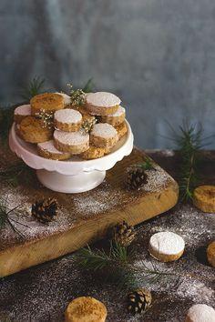 Yerbabuena en la cocina: Polvorones de almendra... comenzando la navidad