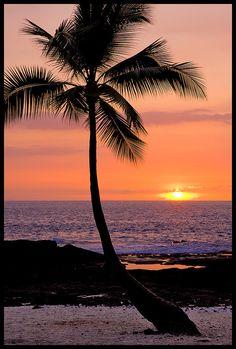 Sunset at Honaunau, Big Island Hawaii