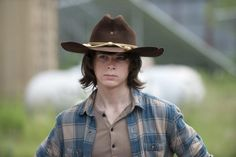 """Walking Dead Star Chandler Riggs Opens Up About On-Set Problems With """"Difficult"""" Co-Workers"""