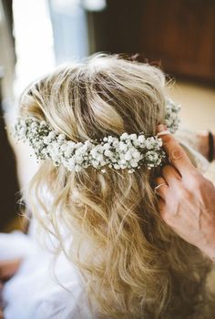 Baby's Breath Wedding Inspiration - Victoria Millesime - Baby's Breath Flower Crown for Weddings // beautiful wedding hair inspiration at www. Baby Breath Flower Crown, Babys Breath Flowers, Flower Crown Wedding, Wedding Flowers, Babys Breath Crown, Wedding Crowns, Crown Flower, Babys Breath Hair, Flower Crown Hairstyle