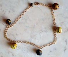 """#Fußkettchen - #Körperschmuck """" Tigerperlen"""" #Schmuck Preis: 23,60 Euro --- #Anklet - #Body jewelry """"Tiger pearls"""" #Jewelery Price: 23,60 Euro --- #Tobillera - #Joyería corporal """"Perlas de tigre"""" Precio de la joyería: 23,60 euros Gold Body Jewellery, Opal Jewelry, Body Jewelry, Fine Jewelry, Euro, Jewelry Branding, Anklet, Jewelery, Gold Necklace"""