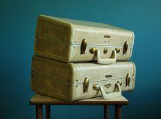 Vintage Set of Two 1950s Ivory Marbled Samsonite Suitcases