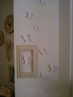 Farfalle come wall decor semplici e meravigliose danno nuova vita a pareti, vetri, specchi, ecc... Disegnate in collaborazione da Marion Lanktree e Alan Wisniewski