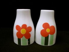 VINTAGE-FIGGJO-NORWAY-ANNEMARIE-SALT-PEPPER-SHAKERS-MID-CENTURY-SCANDINAVIAN