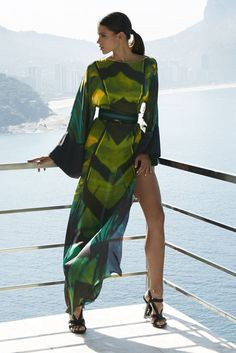 Latest fashion trends: Long sleeves printed slit maxi dress | Amanda Wakeley resort 2016