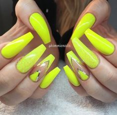 70 Trendy Nails Matte Yellow Neon - All For Hair Color Trending Bright Nails Neon, Neon Yellow Nails, Neon Nails, Bling Nails, Yellow Glitter, Nail Pink, Swag Nails, Glitter Nails, Garra