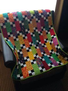 Bricks and Stepping Stone quilt by Bonnie K. Hunter.  Free pattern under the free patterns tab at the top of the blog: http://quiltville.blogspot.com