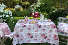 Aiken House & Gardens ~ September tea in the garden