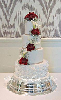 Wedding Cake Red, Elegant Wedding Cakes, Cool Wedding Cakes, Beautiful Wedding Cakes, Wedding Cake Designs, Wedding Cupcakes, Beautiful Cakes, Wedding Rings, Charro Wedding