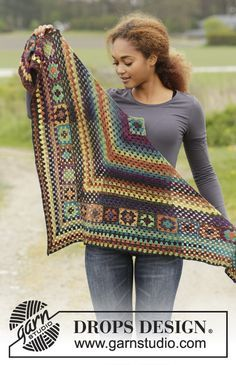 Gorgeous #crochet shawl with granny squares. Autumn Harvest by DROPS Design. Free Pattern