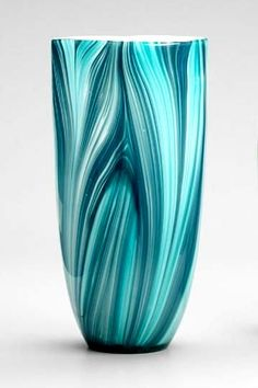 Turin Vase in the most beautiful medially of aqua, turquoise, cerulean and teal. Ask the guys in New Heaven to make a vase in these colors. Shades Of Turquoise, Shades Of Blue, Creation Art, Color Turquesa, Decoration Design, Turquoise Color, Pottery Vase, Tiffany Blue, My Favorite Color