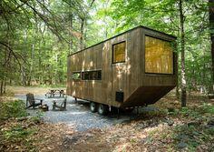 In der Nähe von Boston und New York stehen seit Neuestem Mini-Häuser im Wald, die als Wochenend-Refugium für gestresste Millennials gebaut wurden.