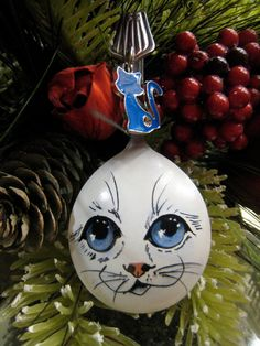 Spoon Christmas Ornament Hand Painted por YewtinselsNSilver