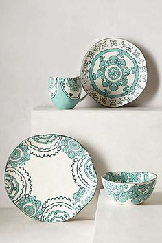 Anthropologie - Gloriosa Dinner Plate