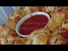 She's Making Pull Apart Pizza Bread and The Recipe Is So Easy!