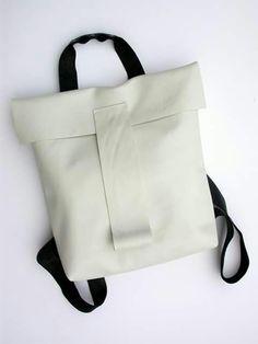 TOPPURINN  Giovanna Giuliani - leather backpack