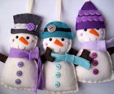 cute snow family --> tengo que añadirlos a mi colección, lástima que no vienen los patrones