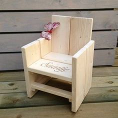 Wood pallet furniture Outdoor chairs diy Outdoor chairs Kids outdoor chairs Wood furniture Wood chair Patio Chair Cushions Clearance Info 5323393781 - Patio Chair - Ideas of Patio Chair Diy Kids Furniture, Wood Pallet Furniture, Furniture Projects, Wood Pallets, Wood Projects, Pallet Wood, Pallet Ideas, Patio Chair Cushions, Diy Chair