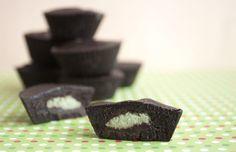 Raw Vegan Thin Mints  http://www.rawfoodrecipes.com/recipes/raw-vegan-thin-mints.html