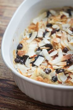 Egyptian Sweet Pastry Dessert (Umm Ali) - The Wanderlust Kitchen. Puff Pastry, almonds, coconut and raisins. Yummy Treats, Delicious Desserts, Sweet Treats, Yummy Food, Dessert Recipes, Middle Eastern Desserts, Egyptian Food, Sweet Pastries, Exotic Food