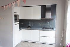 Glazen achterwand voor keuken geplaatst - ProGlass
