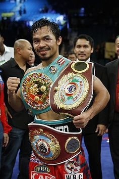 You can say this is the Philippine's national hero. He's what represents my country. Manny Pacquiao the pound for pound boxer in this generation. When he leaves he will have a legacy of destroying his opponents. Manny Pacquiao, Pacquiao Vs, Muay Thai, Manny Pacman, Mma, Kickboxing, Combat Boxe, Boxing Images, Boxing Posters