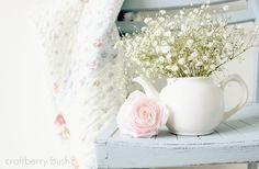 Craftberry Bush: DIY chalk paint and a giant linky party. Annie Sloan Furniture, Chalk Paint Chairs, Diy Chalkboard Paint, Rose Cottage, Flower Arrangements, Bloom, Crafty, Creative, Flowers