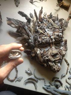 Driftwood art, found wood sculpture: Eyevan Tumbleweed's Driftwood and Found Wood Faces Sculptures Sculpture Head, Driftwood Sculpture, Driftwood Art, Mannequin Art, Found Object Art, Nature Crafts, Ocean Crafts, Amazing Drawings, Texture Art
