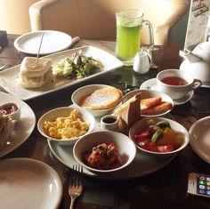 صباح الخميس    .@ghada__09 أب تاون - الخبر  Up town - Khobar  مين جربه؟ وايش أحلى مطاعم فطور في مدينتك ؟ لا تنسى تمنشن اللي يحب وجبة الفطور والخبر و الخميس ❤️ لعرض صوركم الجديدة على حسابنا يرجى عمل تاج لنا  @saudiguides  الحسابات المغلقة ترسل مشاركاتها على الدايركت  http://instagram.com/p/ue-cdXnOWx/